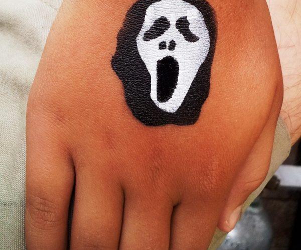 scream hand fixed